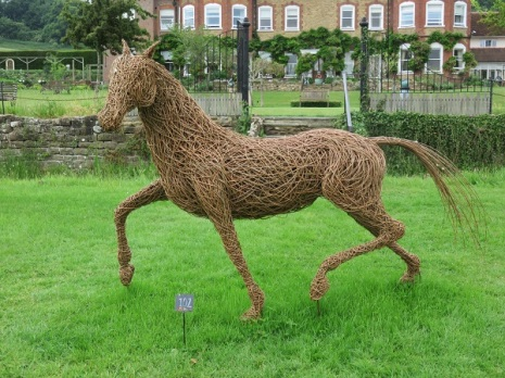 SurreySculpturePark-IMG_3515-600x450