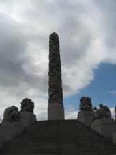Vigelandpark monolith view02-copy